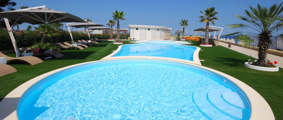 piscina in spiaggia - alba adriatica