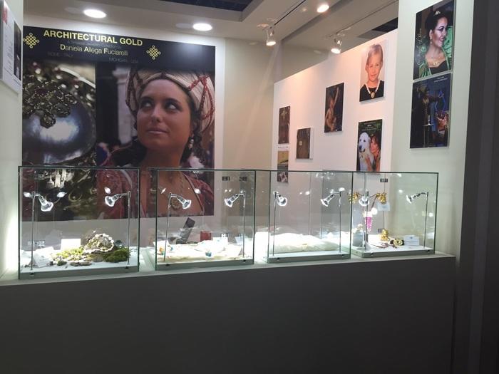Dubai - le creazioni di 'Architectural Gold' della Allega Fuciarelli in mostra